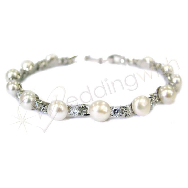 Wedding Elegant Fresh Water Pearl And Diamante Bracelet